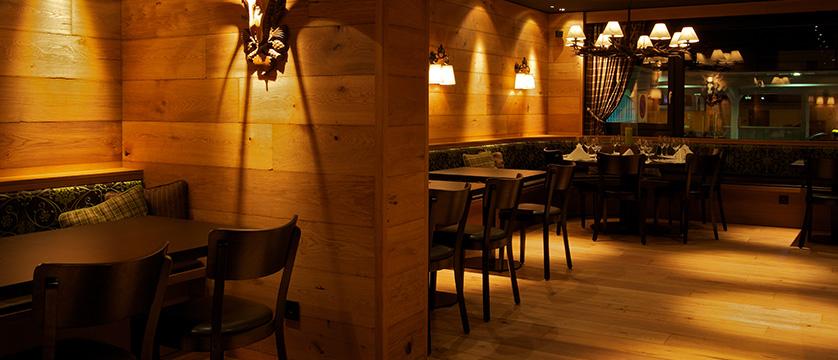 Switzerland_Davos_Hotel_Grischa_dining.jpg
